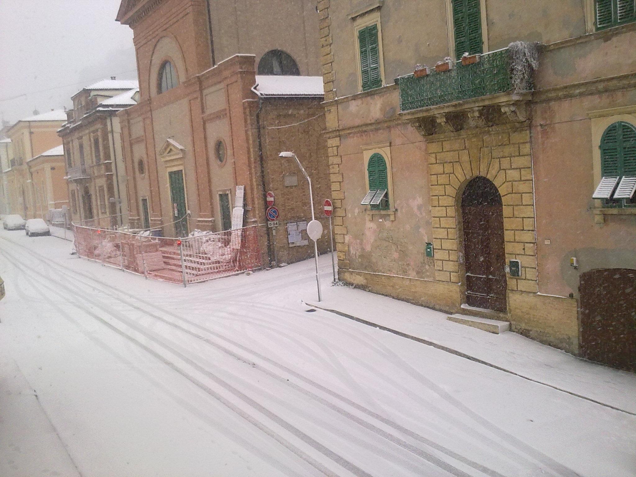 Neve a Cupra Marittima, 3 febbraio 2012 (foto di Stefania Reginella)