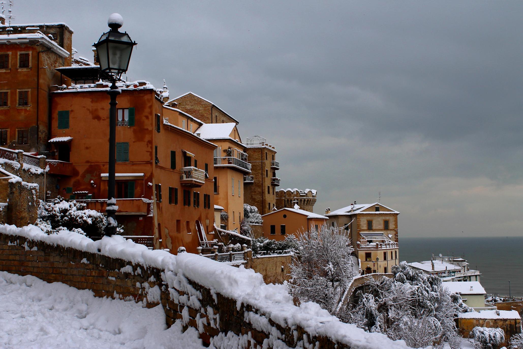 Neve a Grottammare, 4 febbraio 2012 foto di Laura Di Tecco