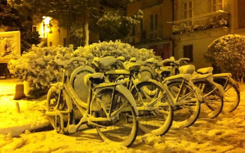 Neve a San Benedetto, via Mentana ore 20, 3 febbraio, foto Roberta Mascaretti