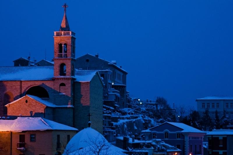 Neve ad Acquaviva, 6 febbraio 2012 foto di Andrea Tomassini 2