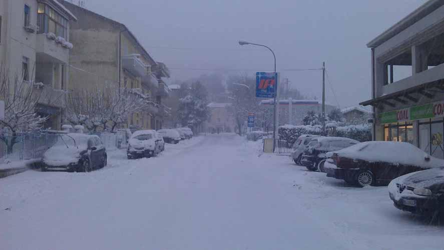 Neve ad Acquaviva, strade bloccate, 5 febbraio