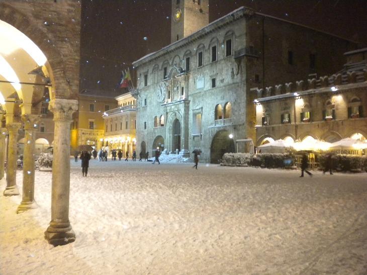 Neve ad Ascoli, 3 febbraio 2012 foto Domenic C. 4