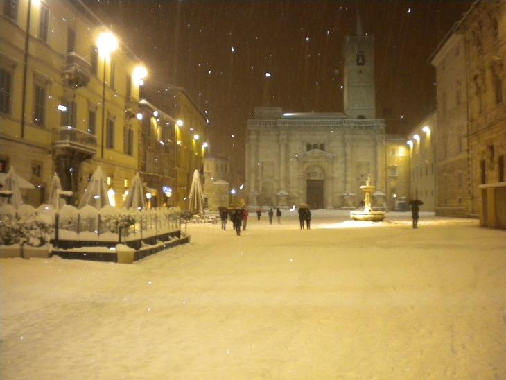 Neve ad Ascoli, 3 febbraio 2012 foto Domenico C. 5
