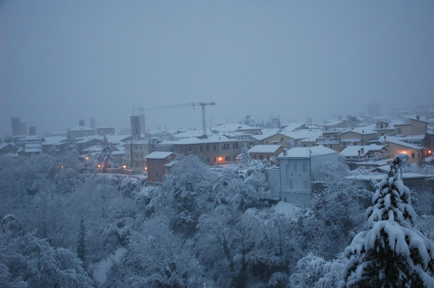 Neve, i tetti di Ascoli, 3 febbraio 2012