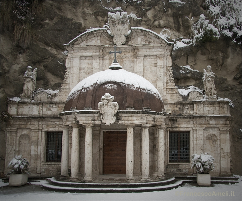 Neve su Ascoli 3 febbraio, le grotte di SantEmidio (Ameli)
