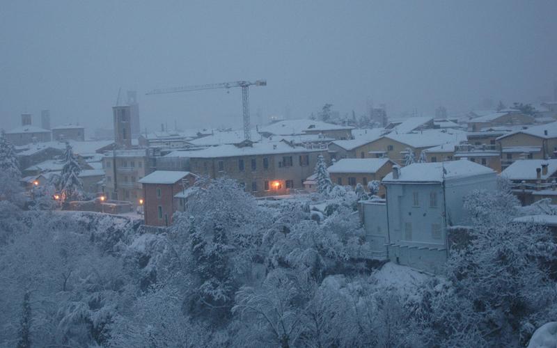 Neve sui tetti di Ascoli, 3 febbraio 2012, foto di Romoletto 1