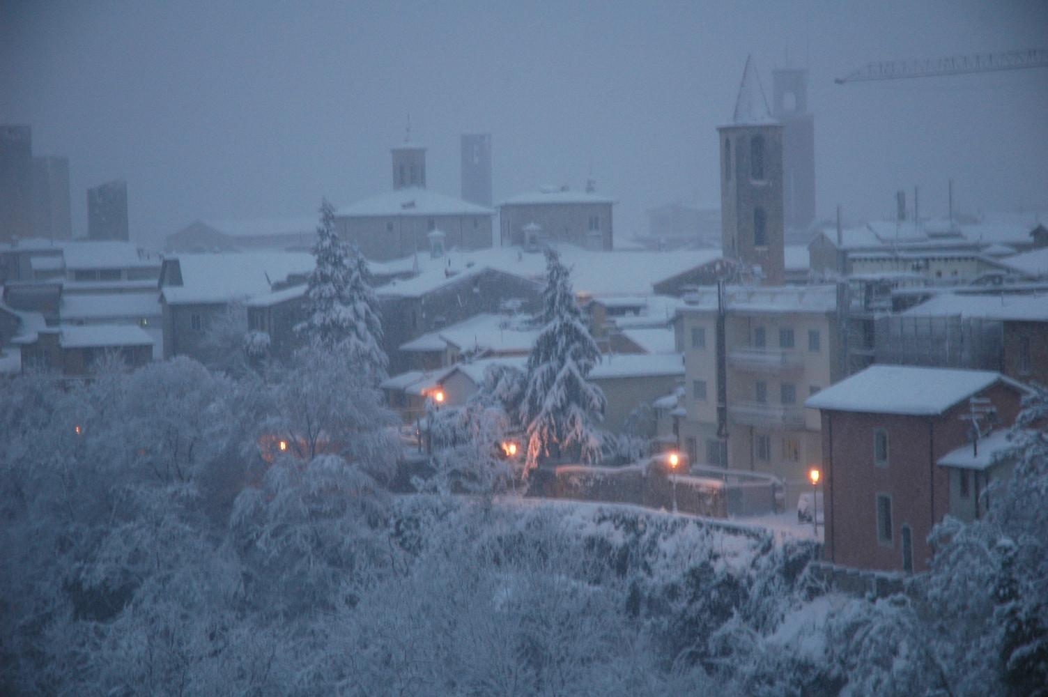 Neve sui tetti di Ascoli, 3 febbraio 2012, foto di Romoletto 3