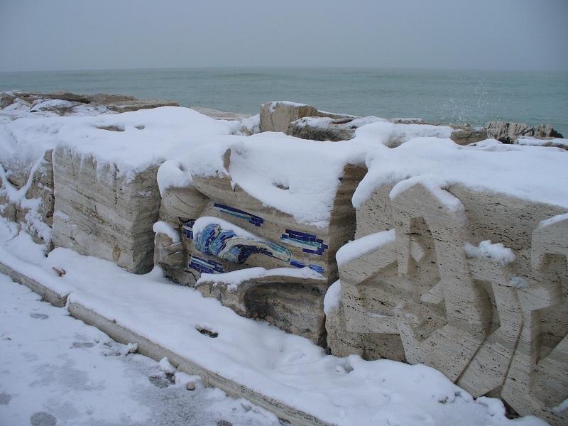 Neve sul molo di San Benedetto, 7 febbraio 2012, foto di Emanuele Bani 1