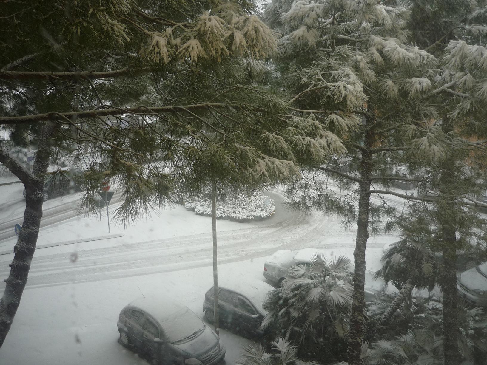 Neve. Stazione di Grottammare, 3 febbraio 2012 (foto di Alessio)