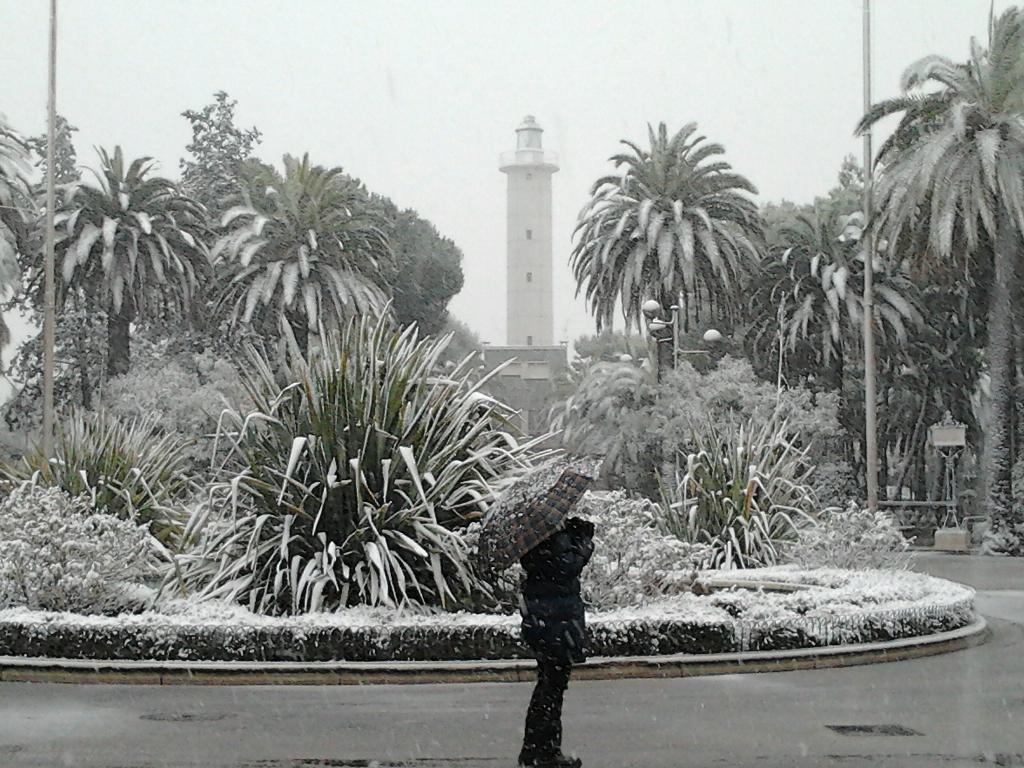 Piazza Giorgini, 3 febbraio 2012 (foto di Fiorella)