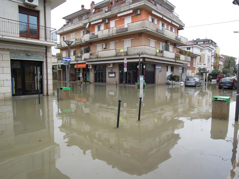 Pioggia 21 febbraio, allagamenti quartiere Sant'Antonio zona via Monfalcone