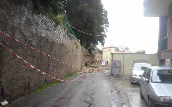 Pioggia 21 febbraio, crollo a Via Bastioni (Paese Alto), foto Tonino Spinozzi 6