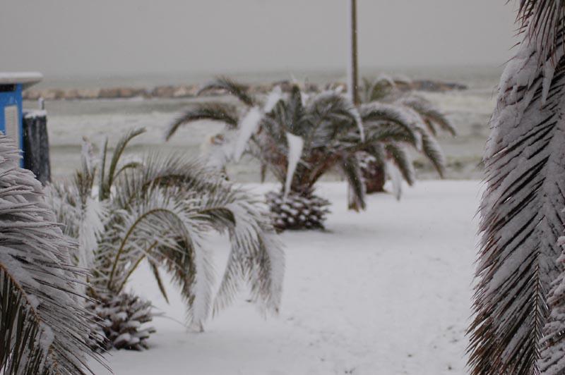 Roberto Bartolomei, neve su San Benedetto 3 febbraio la spiaggia