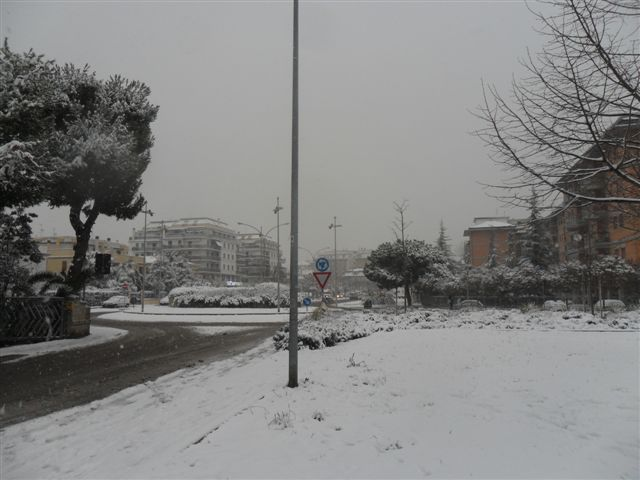 S.Benedetto Tr. - Via Togliatti, rotatoria neve 4 febbraio (da Federico Olivieri)