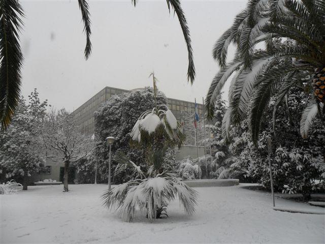 S.Benedetto Tr. - il Comune neve 4 febbraio (3) (da Federico Olivieri)