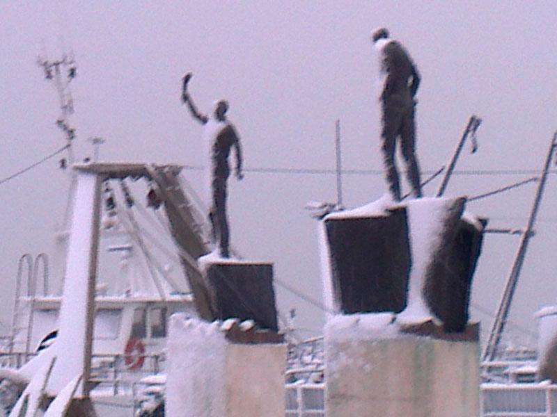 San Benedetto, neve febbraio 2012,scultura di Paolo Annibali
