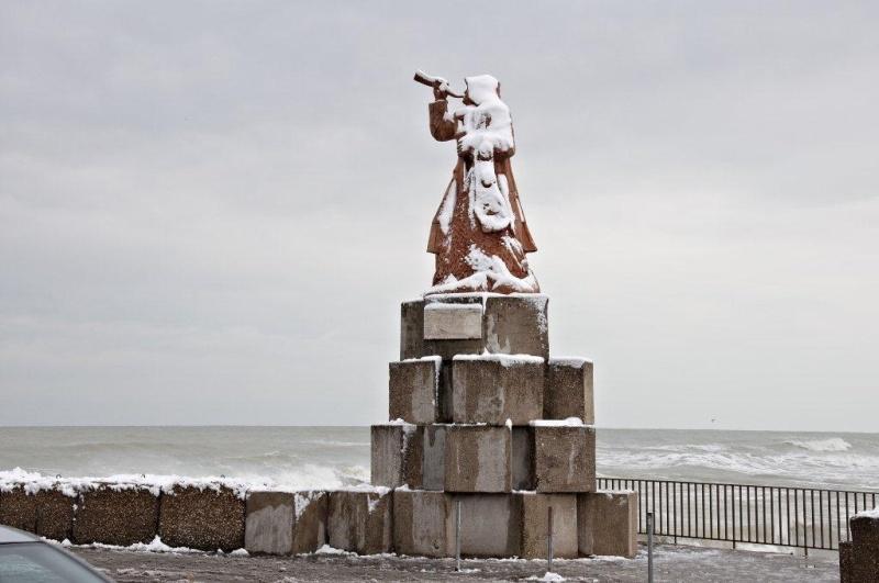 San Benedetto, monumento del pescatore, 4 febbraio (Renato Speziali)