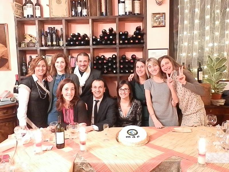La squadra Maè Group durante la cena di Natale