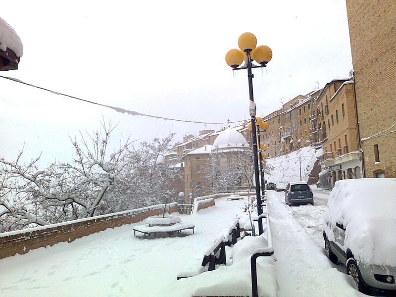Neve ad Acquaviva Picena 4 febbraio 2012 (Nello Gaetani)