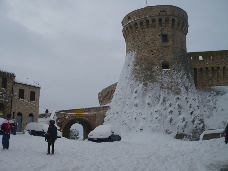 Neve ad Acquaviva 4 febbraio 2012 (Luciano Narcisi)