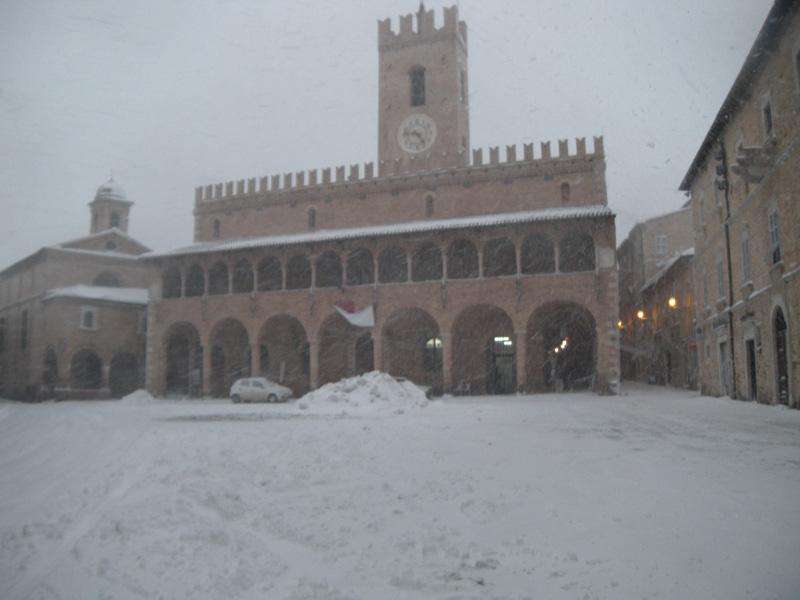 Offida e la neve viste da Cesare Gasparrini, 5 febbraio 2012