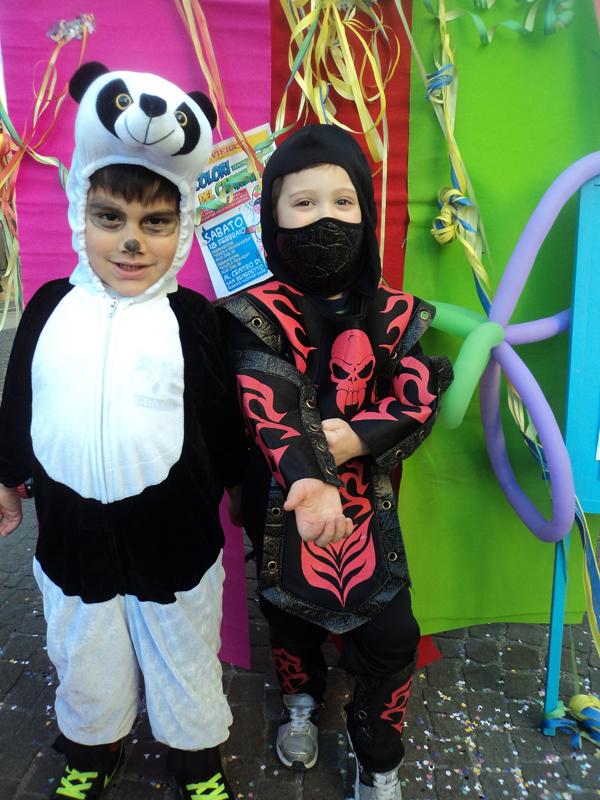 Un dolcissimo Panda, insieme a un agguerrito Ninja
