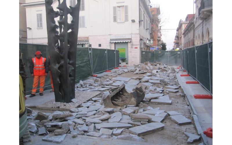 Abbattimento delle barriere architettoniche in Piazza Pericle Fazzini (2)