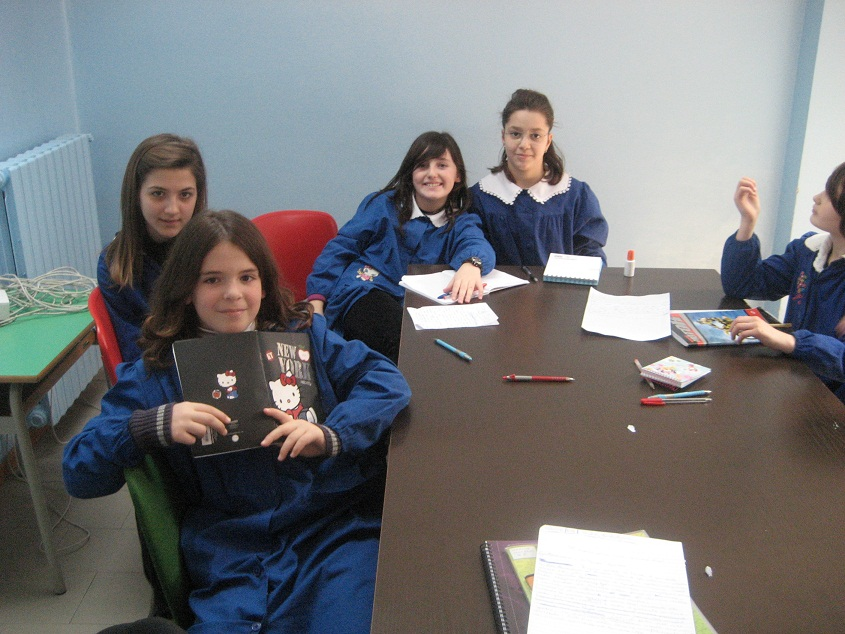 Alcune alunne della classe 5 A della scuola Speranza di Grottammare