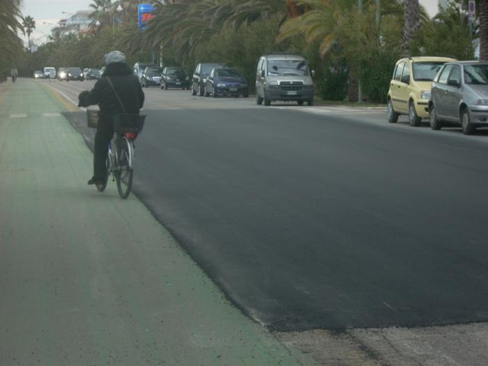 Nuovo asfalto sul lungomare