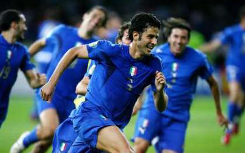 L'esultanza di Grosso dopo la vittoria del Mondiale 2006