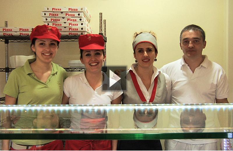 Lo staff della Pizzeria del Borgo