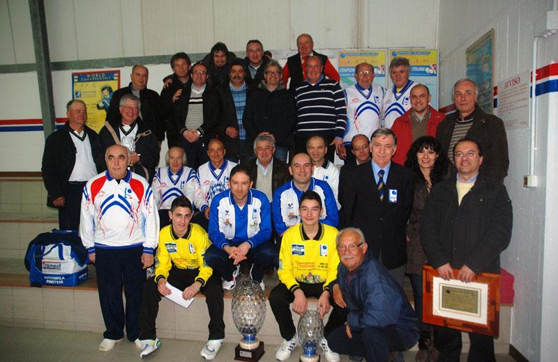 Foto di gruppo torneo di bocce Poggio Morello