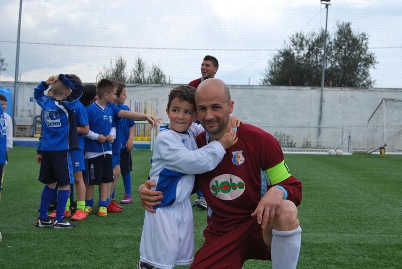 Capitan Scarpantoni con il figlio Mattia