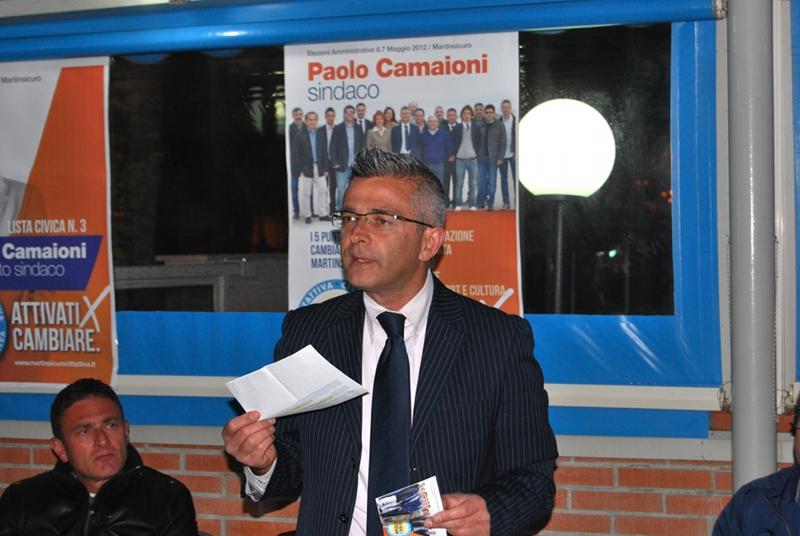Paolo Camaioni durante l'incontro con i quartiere S.Rita e Tronto