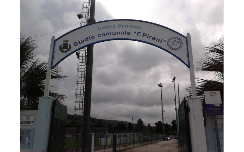 L'ingresso dello stadio Pirani di Grottammare