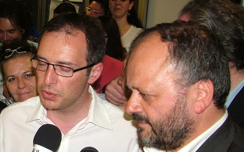 Il sindaco Giovanni Gaspari insieme a Bruno Gabrielli il giorno della conferma di Gaspari come sindaco
