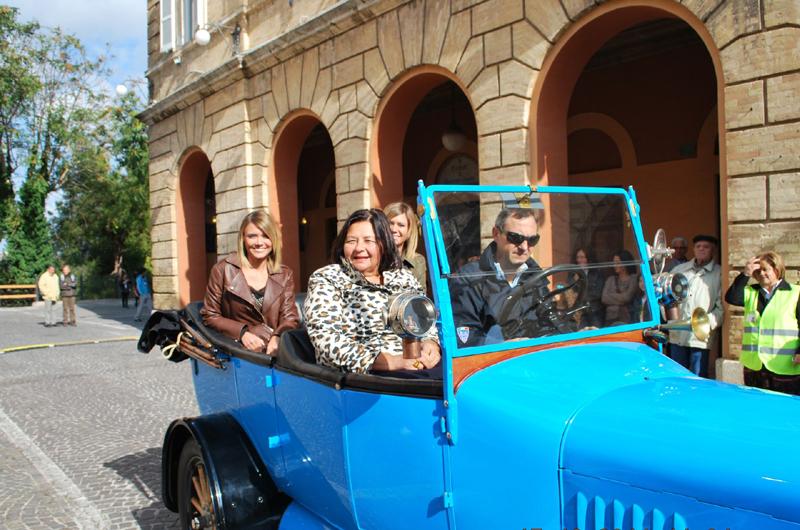 Laura, Silvia e la professoressa Carminucci
