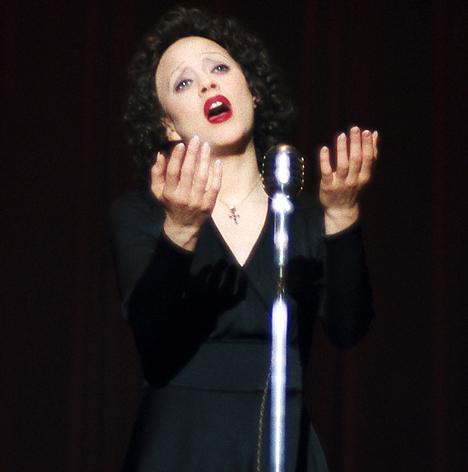 Marion Cotillard interpreta Édith Piaf