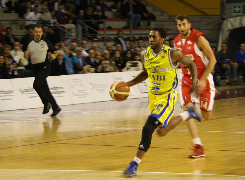 McNeal in fase offensiva