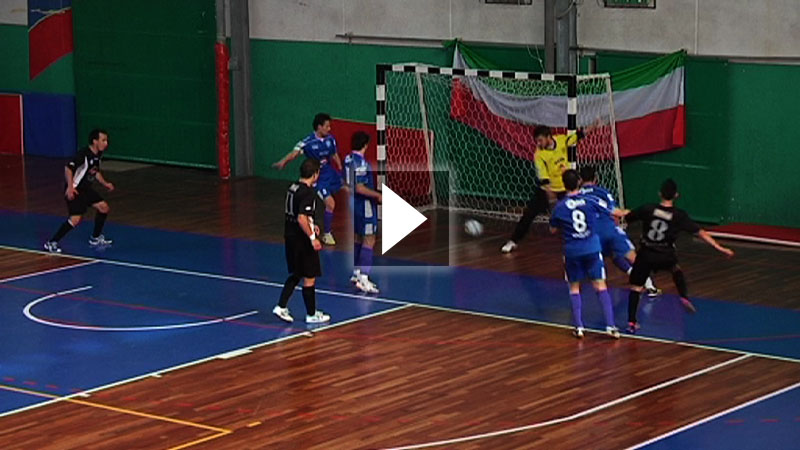 Calcio a 5, finale andata play off. Futsal Portos-New Team 2-3