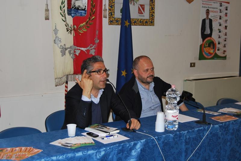 Il candidato sindaco di centro-sinistra Andrea Buonaspeme e il sindaco di San Benedetto del Tronto Giovanni Gaspari