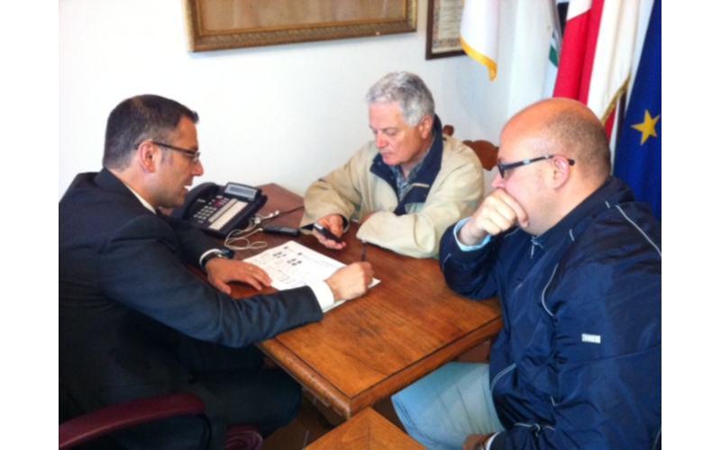 Elezioni Ripatransone,  in attesa spoglio da sinistra Paolo D'Erasmo, Ubaldo Maroni e Alessandro Lucciarini in Comune