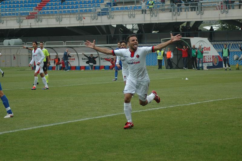 Samb-Isernia finale dei play off, la gioia di Napolano dopo il gol