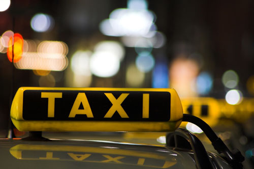 Taxi, tariffe in calo