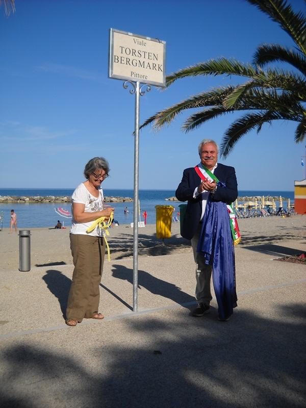 Anna Maria Cerolini e Domenico D'Annibali. inaugurano la via di Cupra