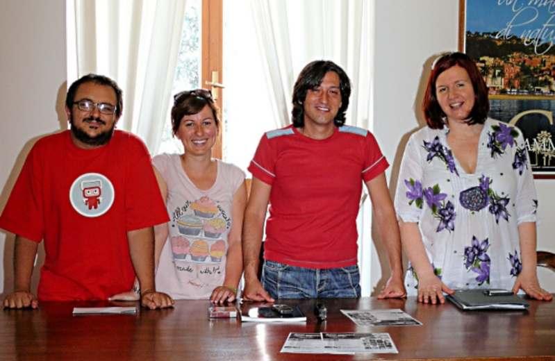 Cinema in Giardino a Grottammare 2012. Da sinistra Dario Ciferri, Valentina Rosati, Enrico Piergallini e Caterina Di Girolami