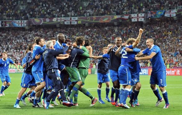 Italia-Inghilterra, esultanza Azzurra (calcioblog.it)