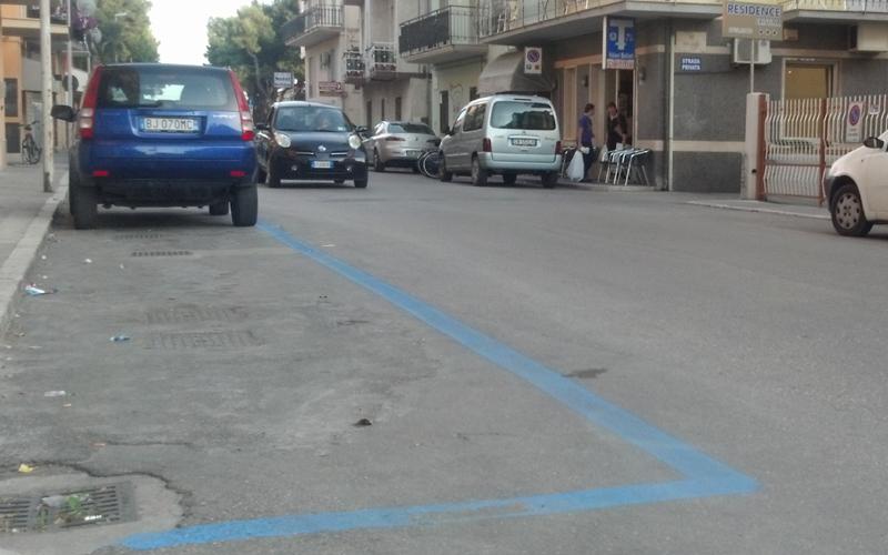 Parcheggi a pagamento in via Volta
