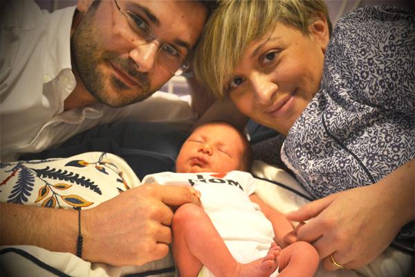 Salvatore Antonelli e Rosita Cameli con il piccolo Vittorio