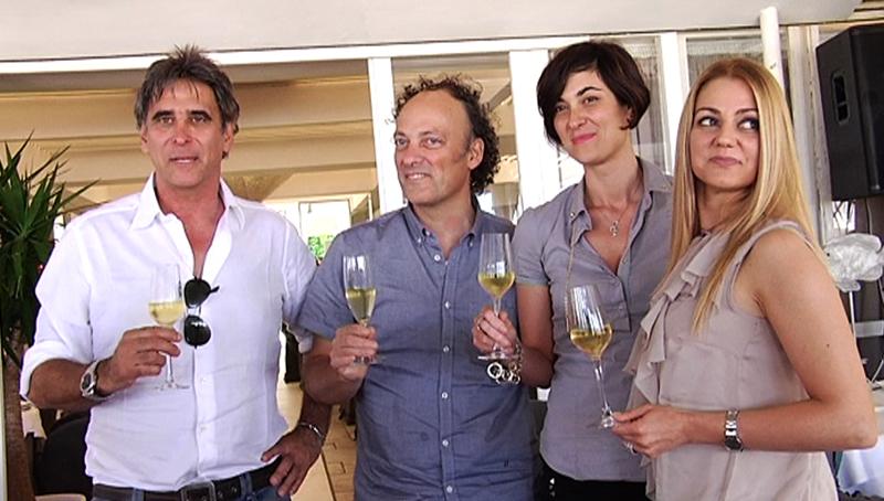 Sandro Assenti Moreno Cedroni e Velenosi brindano insieme per il successo della cena